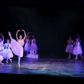 ballet performance mayhew